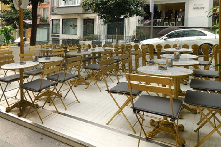 5502c chairs gold at coctails and kitchen