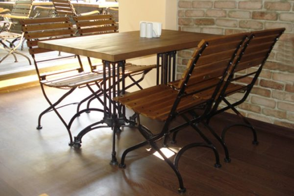 5509 with rectangular panel wood table